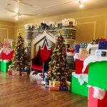 友達と過ごすクリスマスホームパーティのおすすめ料理は?盛り上がれるゲームや楽しめるプレゼント交換方法を紹介
