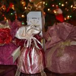 大学生カップル彼氏へのクリスマスプレゼントの相場は?喜ばれるプレゼントと渡し方を紹介