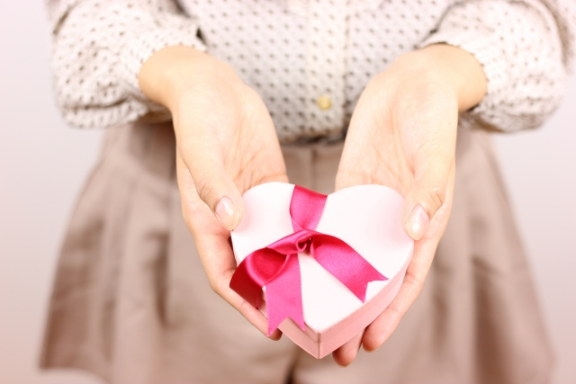 気になる店員へのバレンタインチョコは迷惑?渡し方とセリフを紹介